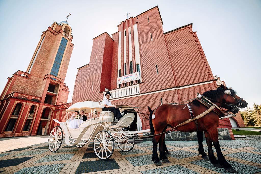 bryczką do ślubu w gorzycach, fotograf na ślub w gorzycach