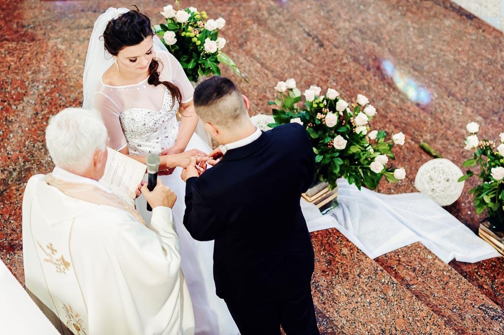 przysięga małżeńska z drona